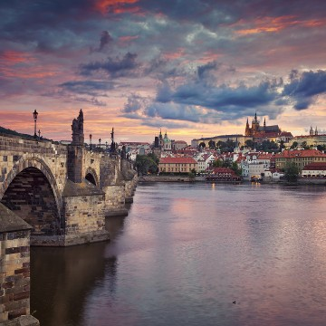 First time in Prague?  Discover the historical centre with a licensed Prague City Tourism guide